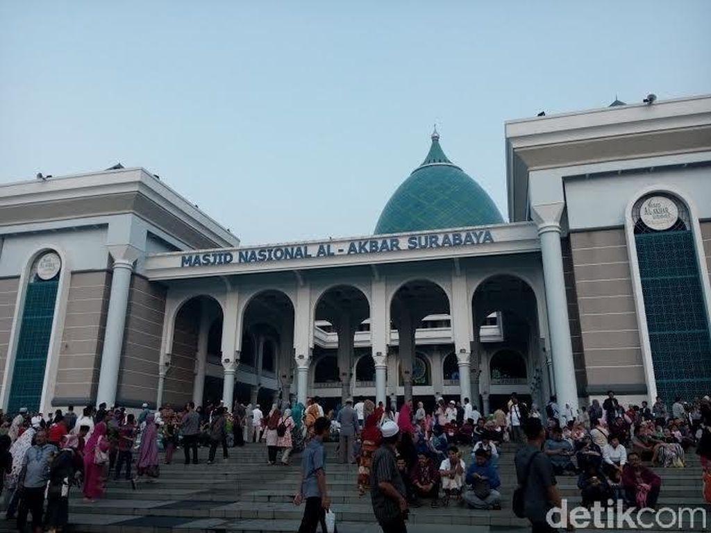 Air mancur menari Kenjeran, Surabaya (Budi Sugiharto/detikTravel)