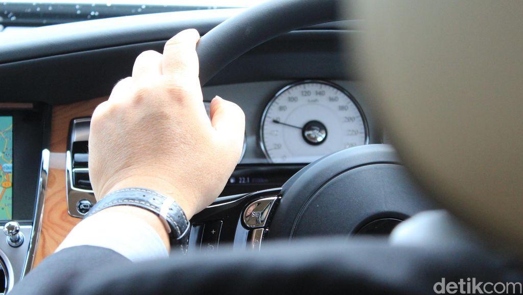 Bahaya Diskon Transportasi Online: Saling Mematikan Pesaing