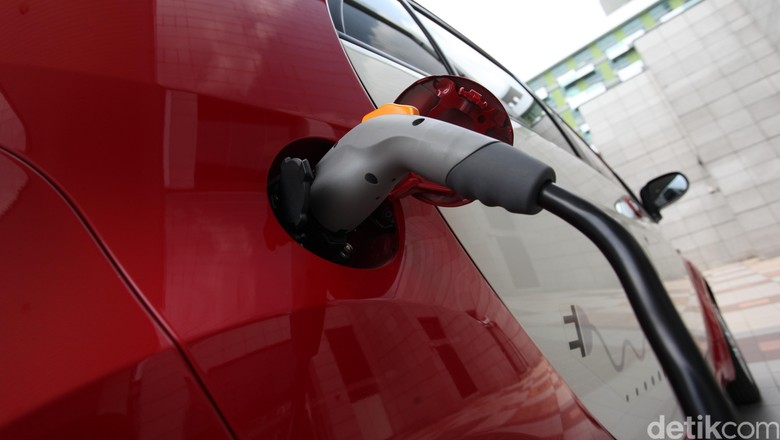 Mobil listrik Mitsubishi i-MiEV Foto: Rengga Sancaya