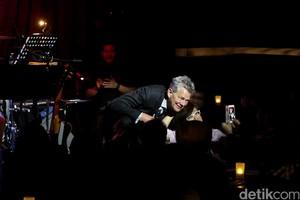 David Foster Sampai Brian McKnight Hibur Yogyakarta 6 April