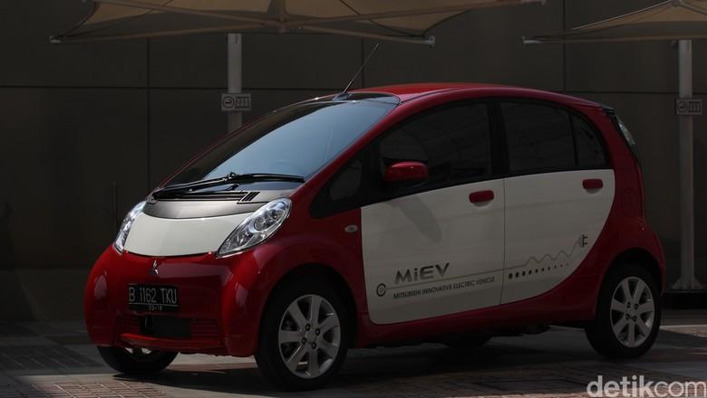 Mitsubishi i-MiEV. Foto: Rengga Sancaya