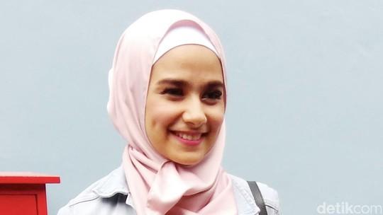 Cantiknya Sonya Fatmala Berhijab
