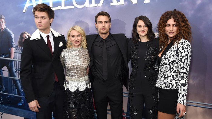 NEW YORK, NEW YORK - MARCH 14:  (L-R) Actors Ansel Elgort, Naomi Watts, Theo James, Shailene Woodley, and Nadia Hilker attend the New York premiere of Allegiant at the AMC Lincoln Square Theater on March 14, 2016 in New York City.  (Photo by Jamie McCarthy/Getty Images)