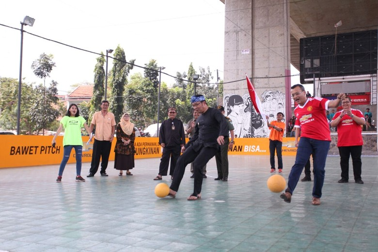 Chevrolet Perbarui Ulang Lapangan Futsal Kolong Jembatan Pasupati