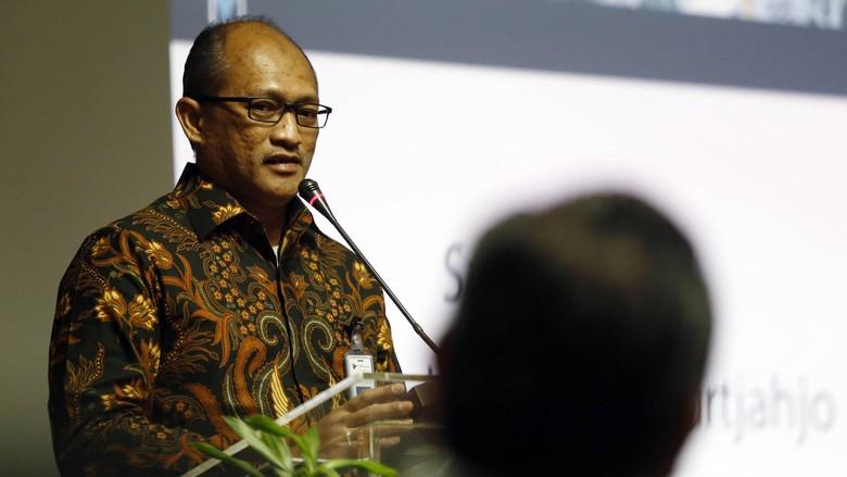 PT GMF AeroAsia punya direktur utama yang baru. Juliandra Nurtjahjo diangkat sebagai dirut menggantikan Richard Budihadianto.