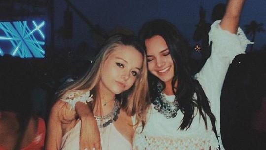 Pacar Baru Scott Disick Cantik Mirip Kendall Jenner