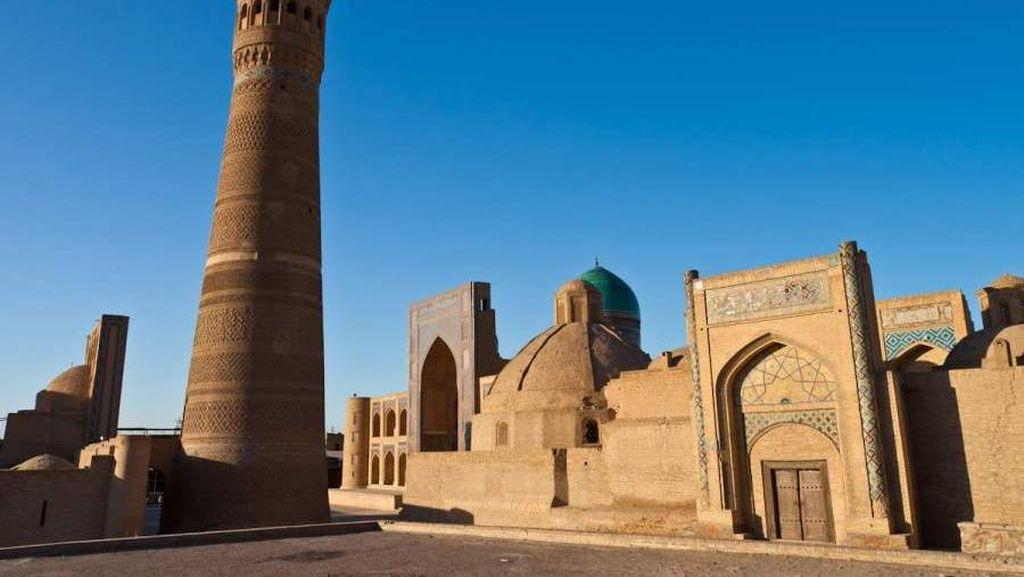 Menara Kematian yang Cantik di Uzbekistan
