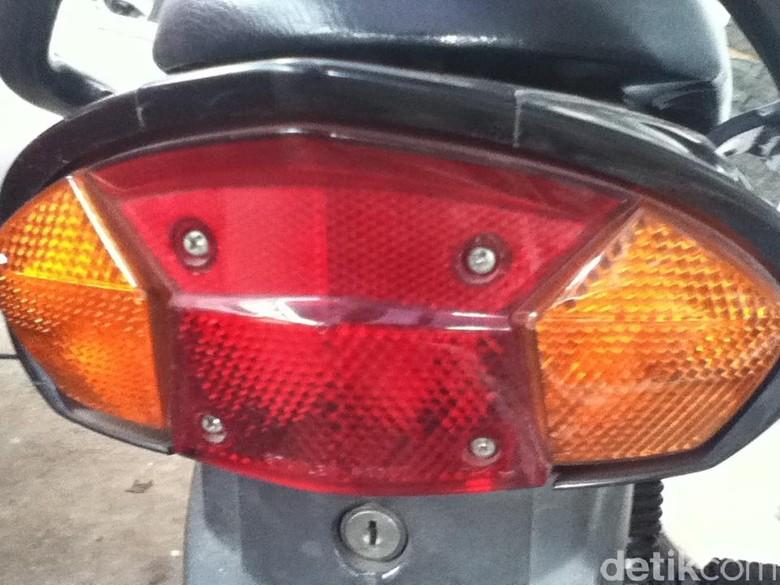 Lampu sein motor. Foto: Dadan Kuswaraharja