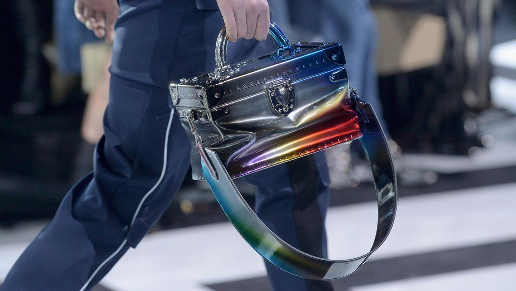 Viral! Wanita Ini Traktir Peraih Emas Bulutangkis Louis Vuitton