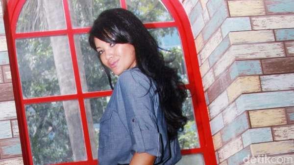 Gaya Farah Quinn dengan Rok Tutu, Yay or Nay?