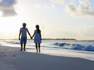 Keuntungan dan Kerugian Menunda Bulan Madu Setelah Menikah