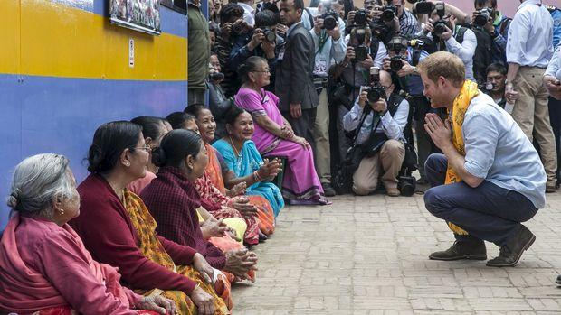 Pangeran Harry tetap bisa dekat dengan publik dan punya segudang kegiatan amal.