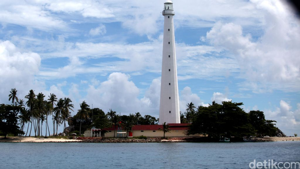Pulang ke Belitung, Ini Aneka Pantai Cantik yang Bisa Didatangi Ahok