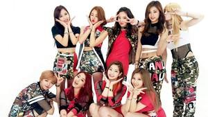 TWICE Jadi Girlband K-Pop Pertama dengan 300 Juta Penonton di YouTube
