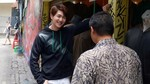 Gaya Santai Onew SHINee Pemotretan Majalah di Bali