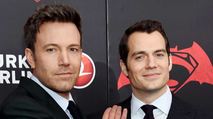 Ben Affleck dan Henry Cavill Gagah di Premiere Batman v Superman