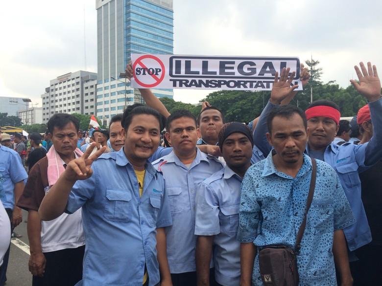 Demo Anarkis Dicibir Warga, Sopir Taksi: Ya Terserah!