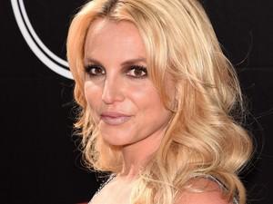 Tubuh Terlalu Ramping Saat Pakai Bikini, Foto Britney Spears Diduga Diedit