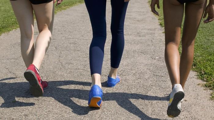 Berjalan cepat bisa membuat peluang hidup lebih lama. Foto: Thinkstock