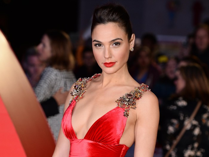 LONDON, ENGLAND - MARCH 22:  Gal Gadot arrives for the European Premiere of Batman V Superman: Dawn Of Justice at Odeon Leicester Square on March 22, 2016 in London, England.  (Photo by Jeff Spicer/Getty Images)