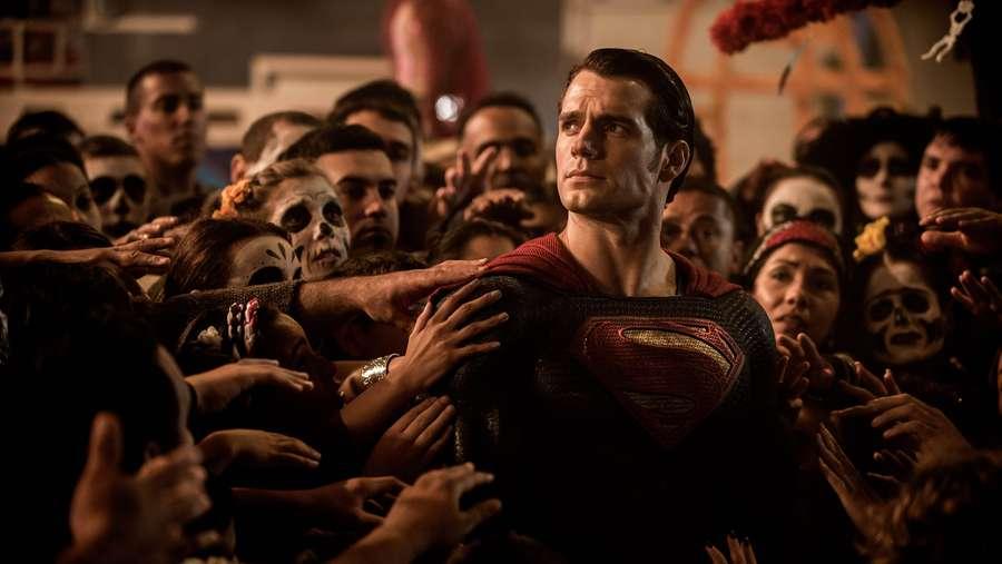 Awas Spoiler! Begini Pertarungan Besar Batman versus Superman