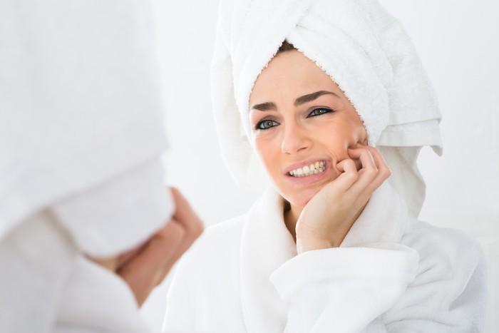 Terdengar unik, namun kebiasaan menggertakkan gigi terlalu sering bisa menjadi penyebab sakit kepala. Penyebabnya karena ini bisa menimbulkan peradangan pada otot di sekitar kepala dan menyebabkan rasa sakit, seperti dikutip dari Boldsky. (Foto: Ilustrasi/Thinkstock)