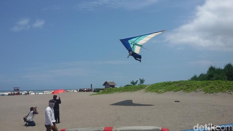 Penerjun Payung Wanita yang Jatuh ke Laut Saat Jogja Air Show Meninggal