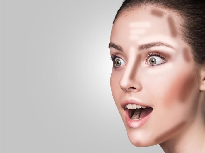 Saat belajar make up natural, hindari penggunaan contour
