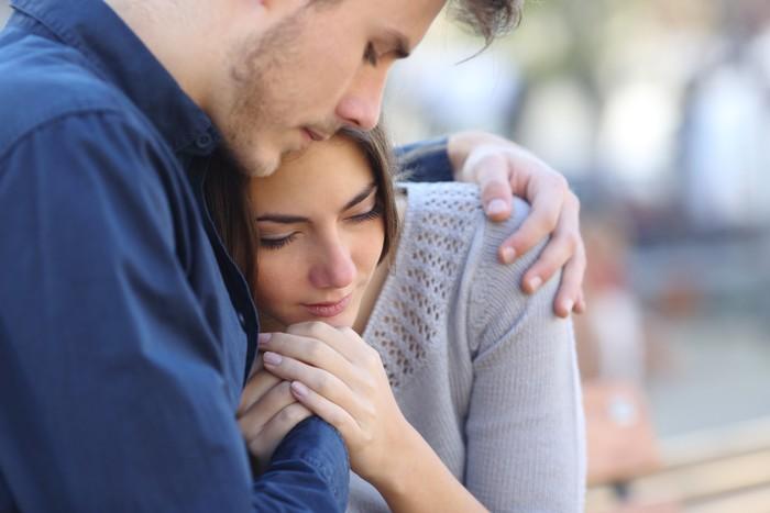 Berdasarkan sebuah penelitian, seks dapat membantu menenangkan saraf, menurunkan tekanan darah tinggi, dan mengurangi stres. Selain itu orgasme juga membantu meningkatkan sistem kekebalan tubuh dan mempercepat proses penyembuhan. Foto: thinkstock