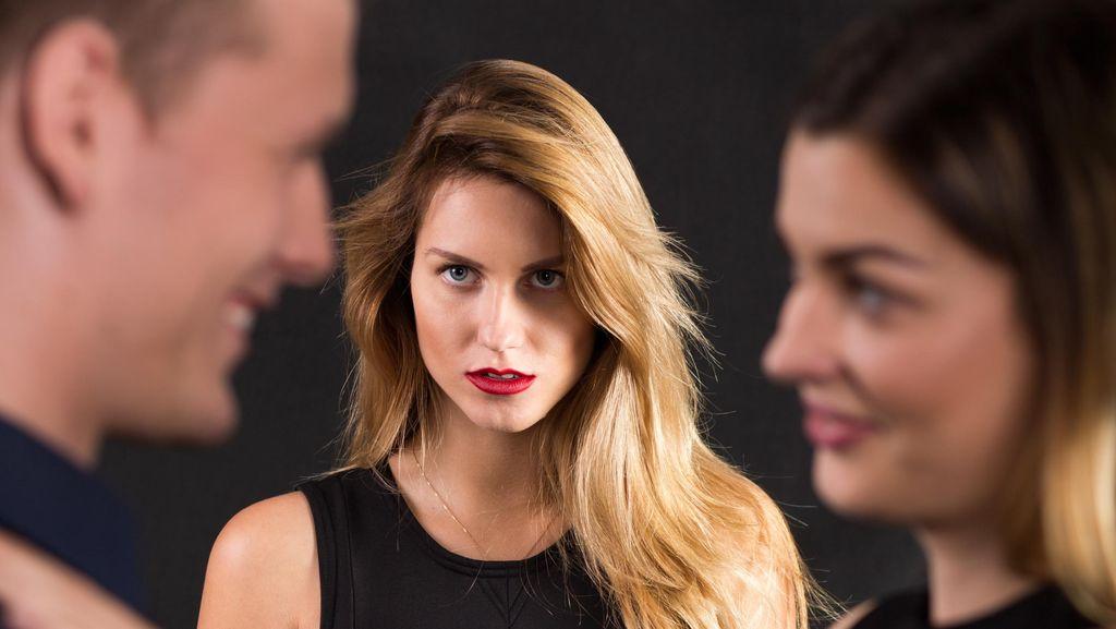 Suami Ketahuan Selingkuh, yang Dilakukan Wanita Ini Bikin Terenyuh