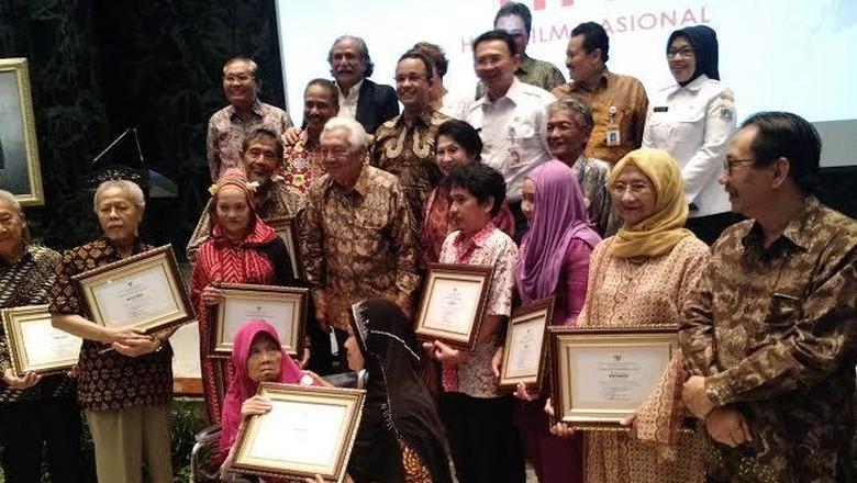 Ahok dan Sejumlah Artis Senior Rayakan Hari Film Nasional 2016