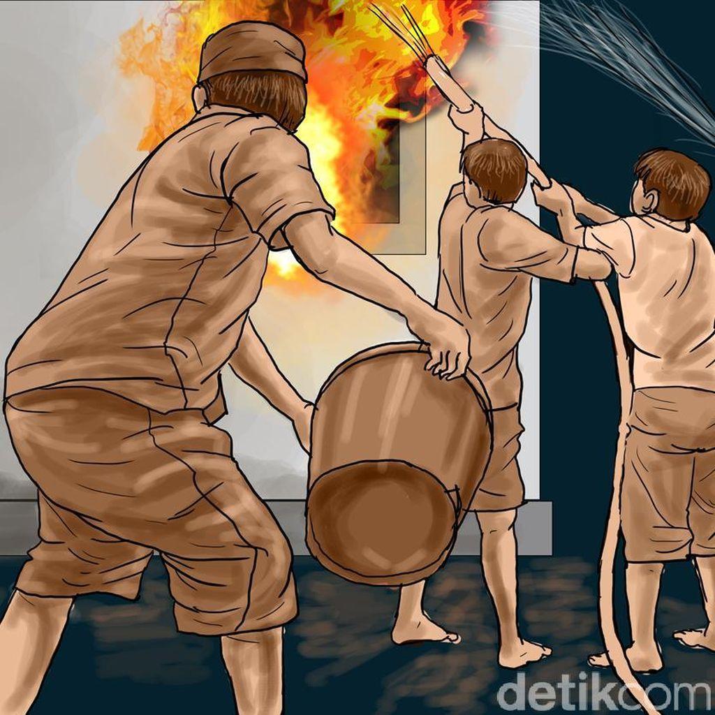 Sebuah Rumah di Cakung Terbakar, 5 Unit Damkar Dikerahkan