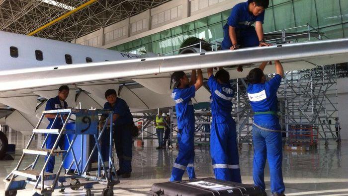 Ilustrasi Perawatan Pesawat (Foto: Dana Aditiasari)