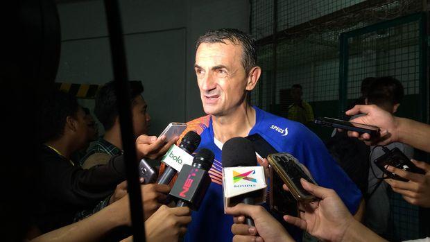 Selain Zah Rahan, Madura United juga akan memperkenalkan pelatih Milomir Seslija.