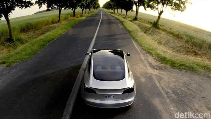 Mobil Listrik Tesla Termurah yang Bakal Merapat ke RI