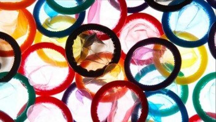 Kondom diyakini bisa mengurangi risiko penularan infeksi seksual (iStock)