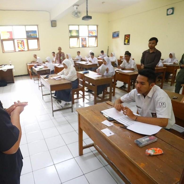 UN SMA-SMK Pilih Mapel Peminatan, Kejar Paket C Mapel Komplet
