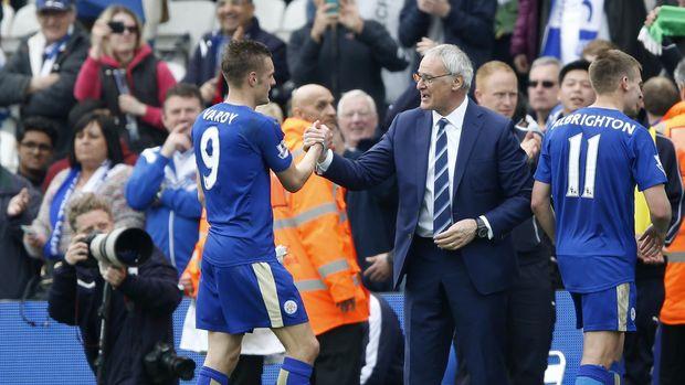 Claudio Ranieri pernah meraih sukses bersama Leicester City di Liga Primer Inggris 2015/2016.