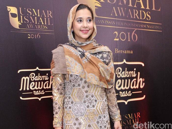 Ayu Azhari di ajang Usmar Ismail Awards di Balai Kartini, Jakarta Selatan.