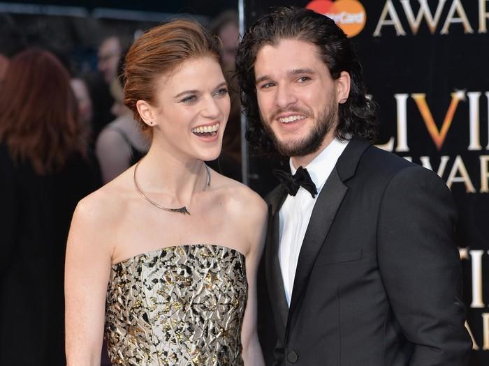 Cinlok Di Game Of Thrones Kit Harington Rose Leslie Resmi Tunangan
