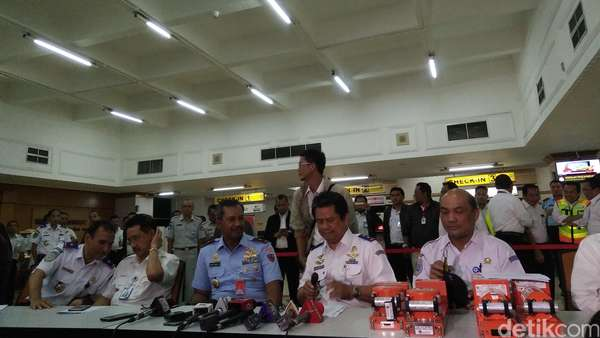 KNKT Pajang Black Box Pesawat Batik Air dan TransNusa yang Bertabrakan di Halim