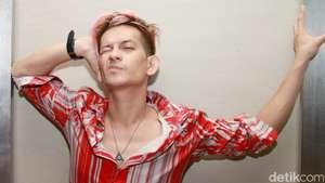 Jupiter Fortissimo Kini Berambut Pink