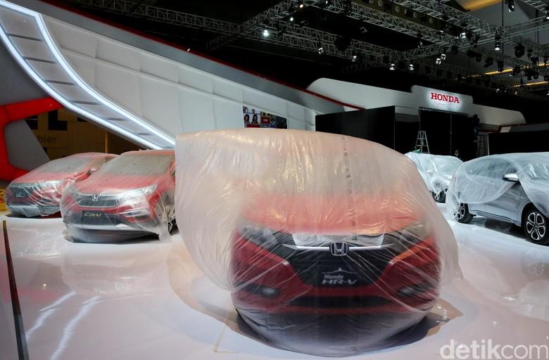 Mobil merek Jepang di Indonesia. Foto: Ari Saputra