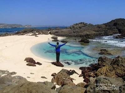 Ini Pantai yang Belum Banyak Dikunjungi Orang di Lombok