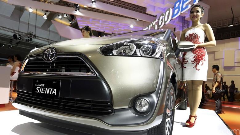 Toyota Sienta Foto: Rengga Sancaya