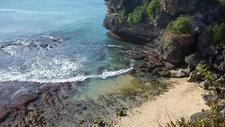 Pantai Balangan yang cantik! (Mira Nanda Kurnianta/dTraveler)