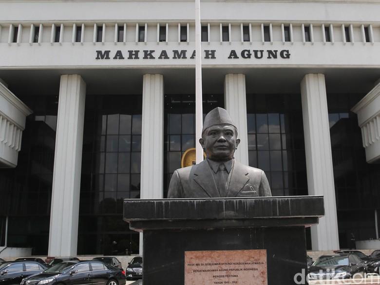 Ketua Pengadilan Kena OTT, Proses Promosi-Mutasi Hakim Dipertanyakan