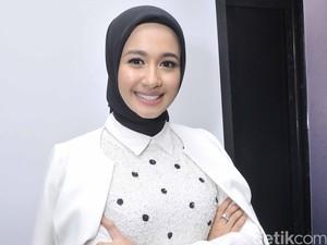 Cara Laudya Cynthia Bella Rawat Rambut Agar Tetap Sehat Pasca Berhijab