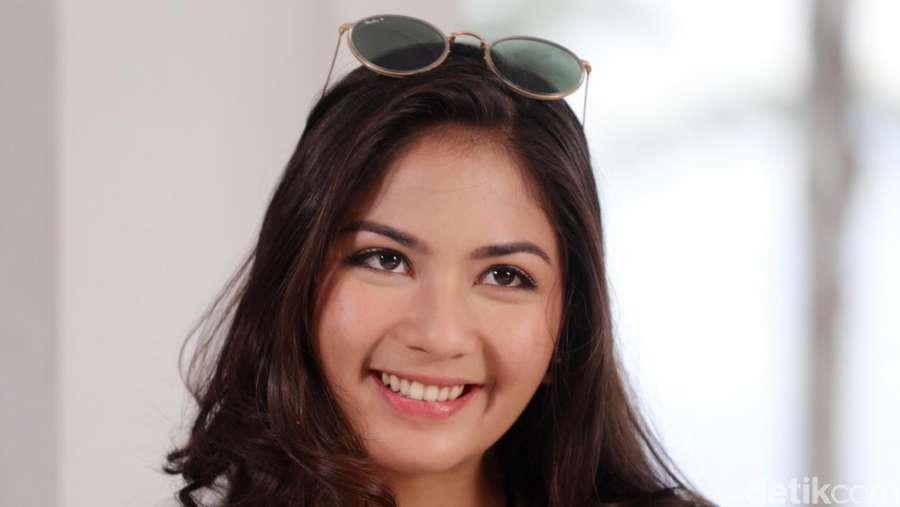 Gaya Jessica Mila di Bali