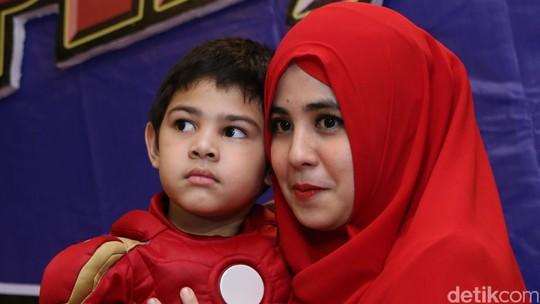 Risty Tagor dan Rifky Balweel Rayakan Ultah Anak Bersama